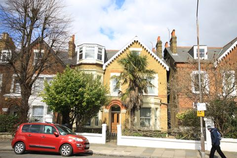 2 bedroom flat for sale - Westcombe Park Road, Blackheath SE3
