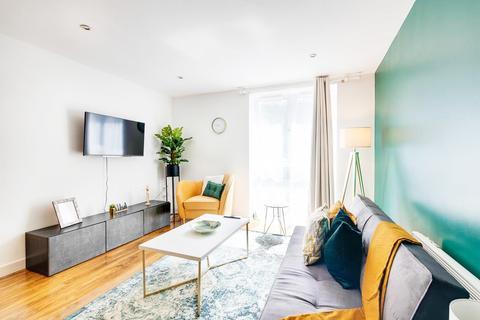 2 bedroom flat to rent - Gastein Road, London, W6