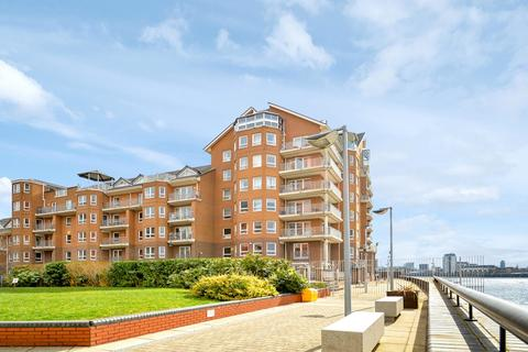 3 bedroom penthouse to rent - Hera Court, Canary Wharf E14