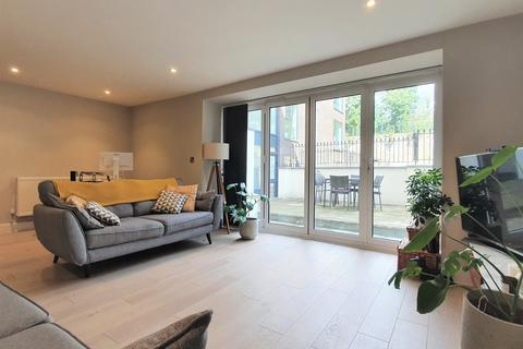 3 bedroom flat to rent - Cabrini House, 2 Honor Oak Rise, Honor Oak, SE23