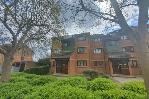 1 bedroom flat to rent - Maltby Drive, EN1