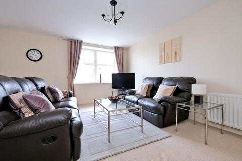 2 bedroom flat to rent - Balmoral Square, Great Western Road,  Aberdeen, AB10