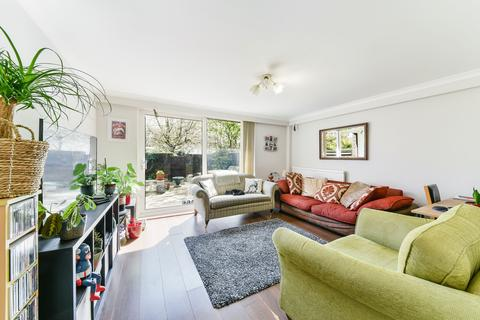 3 bedroom ground floor maisonette for sale - Kiln Court , Newell Street , London  E14