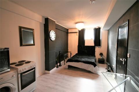 1 bedroom detached house to rent - 90 Mansel Street, SWANSEA