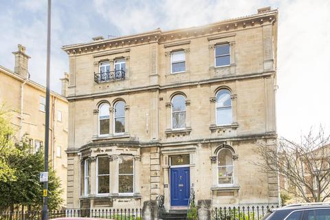 2 bedroom flat to rent - Victoria Square, Clifton, BS8