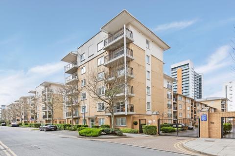 3 bedroom flat for sale - Newport Avenue, London E14