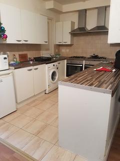 5 bedroom terraced house to rent - Caledon Road, East Ham, E6 2EX