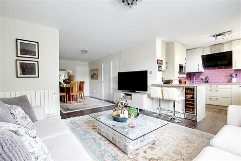 2 bedroom flat for sale - Fisher Close, Enfield, Greater London, EN3
