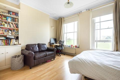Studio to rent - Royal Parade Blackheath SE3