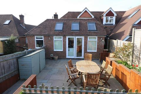 3 bedroom house for sale - Vale Road, Haywards Heath, RH16