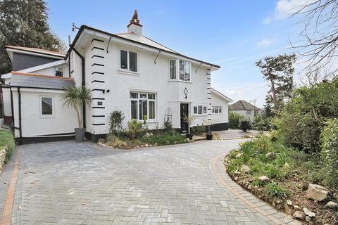 4 bedroom detached house for sale - Salvington Hill, High Salvington, Worthing BN13 3BD