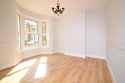 2 bedroom terraced house to rent - Reidhaven Road, London, SE18 1BX