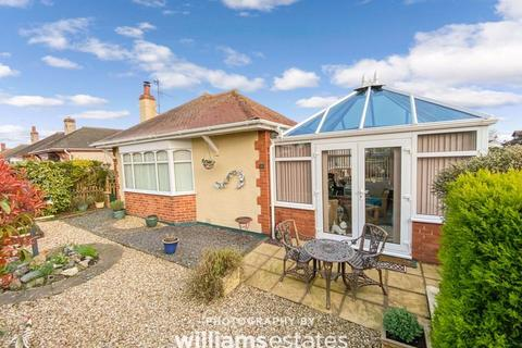 2 bedroom detached bungalow for sale - Doren Avenue, Rhyl