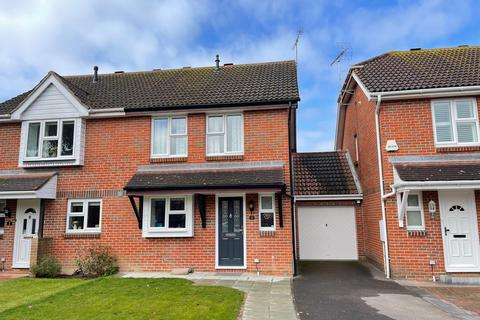 3 bedroom semi-detached house for sale - Derwent Close, Littlehampton