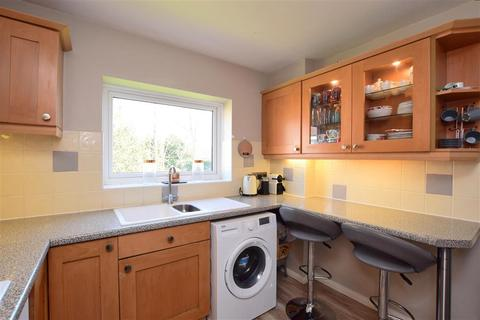 2 bedroom flat for sale - South Street, Tarring, Worthing, West Sussex