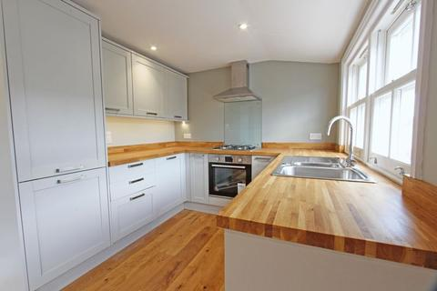 2 bedroom apartment for sale - High Street, Henfield