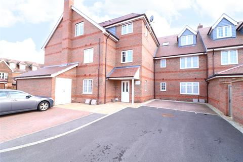 2 bedroom apartment to rent - Red Kite Court, 110 Larchfield Road, Maidenhead, Berkshire, SL6