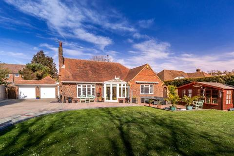 3 bedroom detached bungalow for sale - Offington Drive, Worthing, West Sussex, BN14 9PS