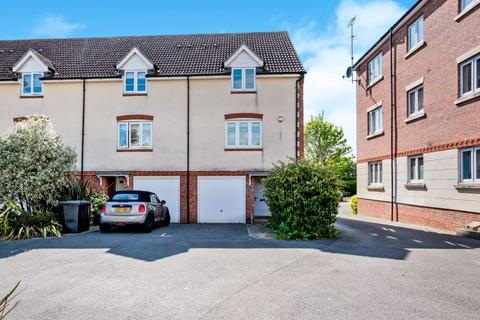 3 bedroom end of terrace house for sale - Baxendale Road, Chichester