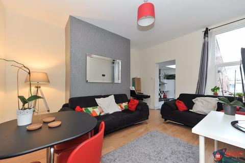 3 bedroom apartment to rent - Trewhitt Road, Newcastle Upon Tyne