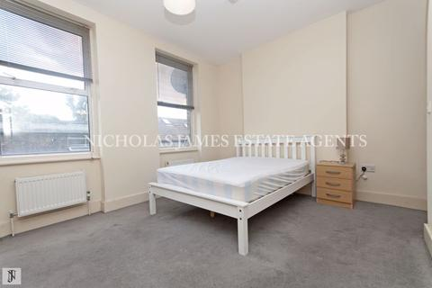 3 bedroom apartment to rent - High Road, East Finchley, London N2