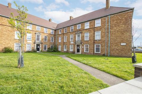 2 bedroom flat for sale - Great Cambridge Road, Enfield