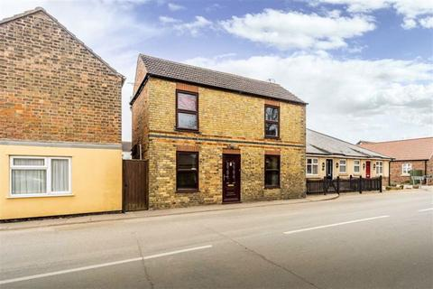 3 bedroom detached house for sale - Broadway, Crowland