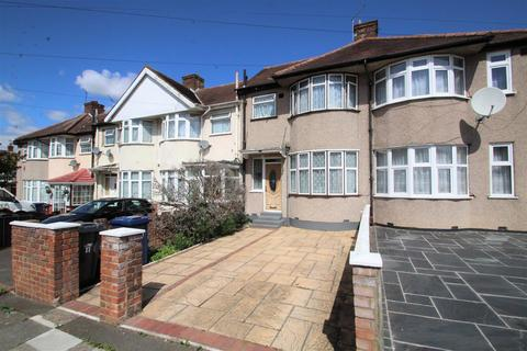 3 bedroom house to rent - Cedar Grove, Southall