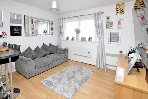 2 bedroom coach house for sale - Hobart Close, Chelmsford, CM1