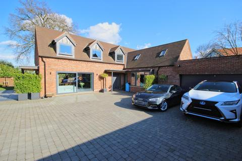 3 bedroom detached house for sale - Old Court, Beverley