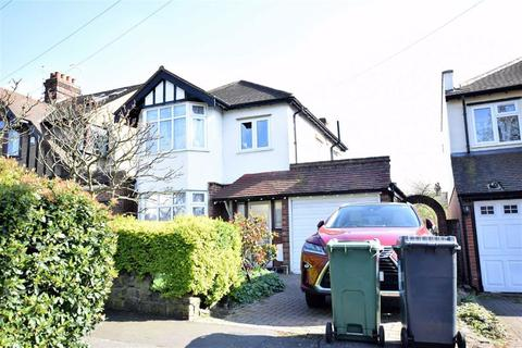 3 bedroom detached house to rent - Underwood Road, Chingford
