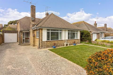 3 bedroom detached bungalow for sale - Warnham Road, Goring-By-Sea, Worthing
