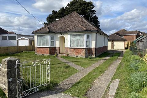 3 bedroom chalet for sale - New Road, Ringwood, BH24 3AU