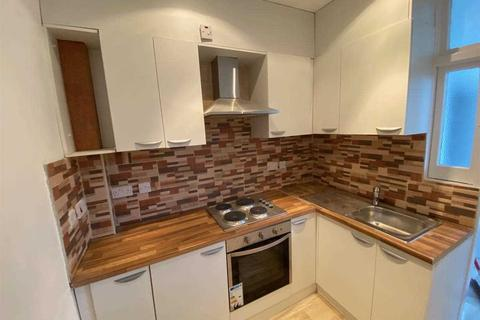 3 bedroom terraced house to rent - Ripley Road, Ilford