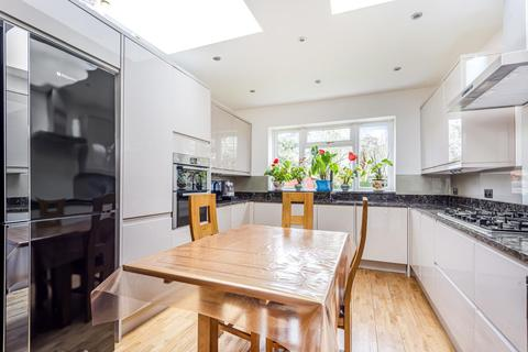 4 bedroom detached house for sale - Gainsborough Road, New Malden