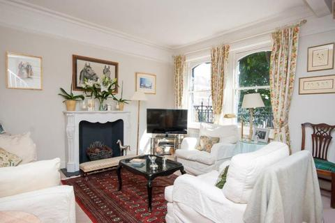 2 bedroom flat to rent - Vereker Road, W14