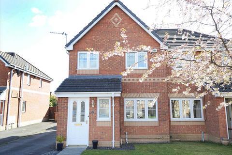 3 bedroom semi-detached house to rent - 18 Stickens Lock Lane, Irlam M44 6RG