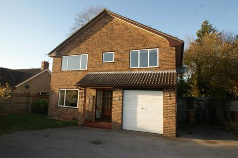 4 bedroom detached house to rent - Walworth Road, Picket Piece, Andover, SP11
