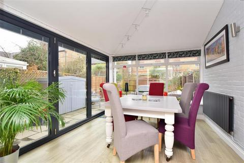 4 bedroom terraced house for sale - Coldstream Road, Caterham, Surrey