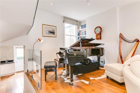 2 bedroom maisonette for sale - Sugden Road, London