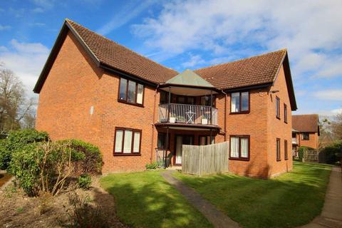 1 bedroom retirement property for sale - Chiltern Court, Emmer Green, Reading