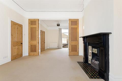 4 bedroom terraced house to rent - Franconia Road, SW4