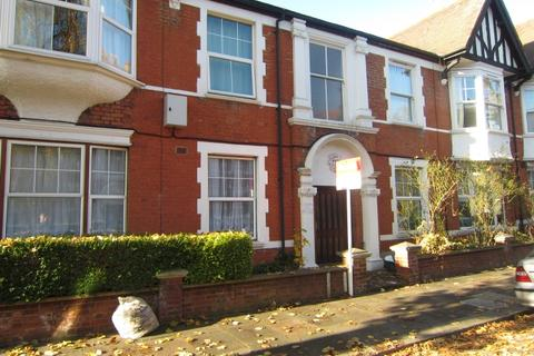 3 bedroom flat to rent - Northcote Avenue, Ealing, W5