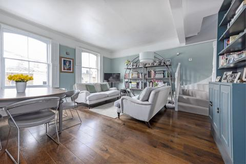 3 bedroom apartment for sale - Mallinson Road, SW11