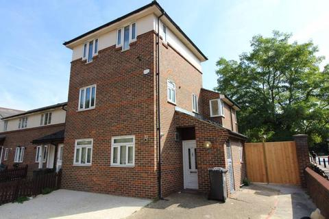 5 bedroom end of terrace house to rent - 27 Nynehead Street, SE14 6ES