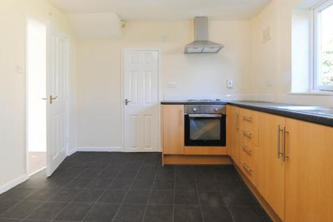 3 bedroom semi-detached house to rent - Langdale Avenue, Ince, Wigan, WN2 2NG