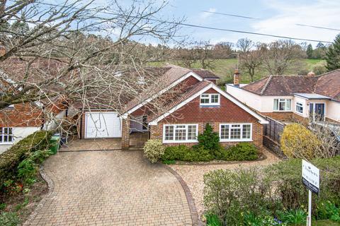 4 bedroom detached house for sale - Fullers Road, Rowledge, Farnham, Surrey, GU10