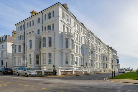 2 bedroom apartment for sale - Compton Street, Eastbourne