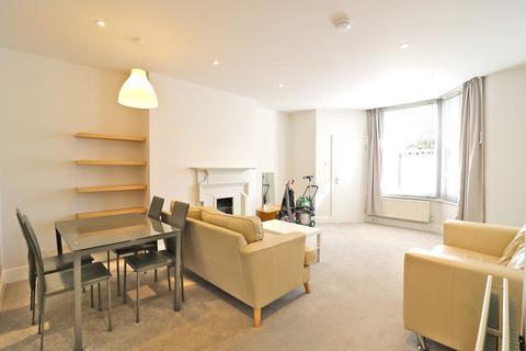 3 bedroom ground floor flat to rent - Haven Green, Ealing, London. W5 2UU