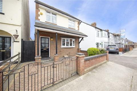 3 bedroom detached house for sale - Pretoria Road, Romford, RM7